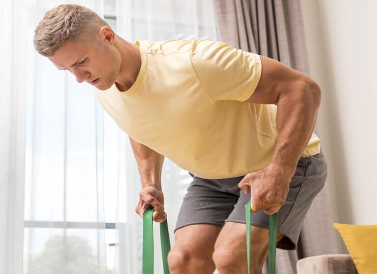 Øvelser med elastik – Styrkeløft.