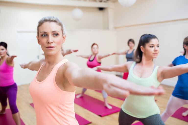 Ondt i skulder øvelser lindrer smerter og spændinger i skulderen.