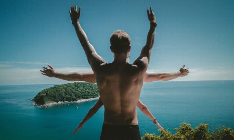 Diskusprolaps øvelser - Stående stræk af ryggen.