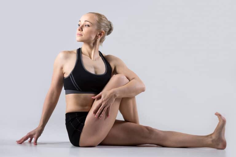 yogaøvelser for iskiasnerven strækker ryggen godt igennem og forbedrer blodcirkulationen.
